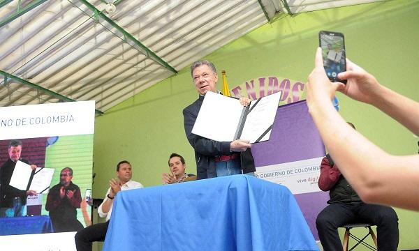 Presidente de Colombia promulgó la Ley Bicentenario en el municipio de Toca